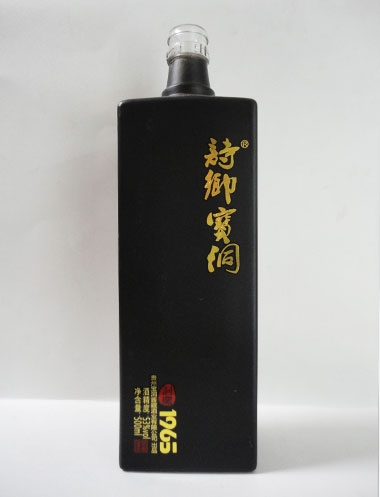 订制喷釉烤花玻璃酒瓶